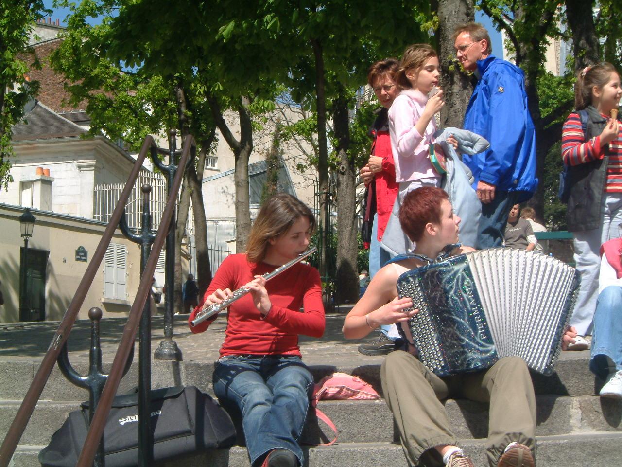 musiciennes sur la Place Emile Goudeau