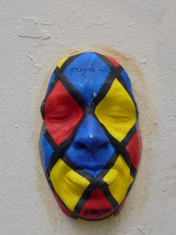 masque mural à Montmartre