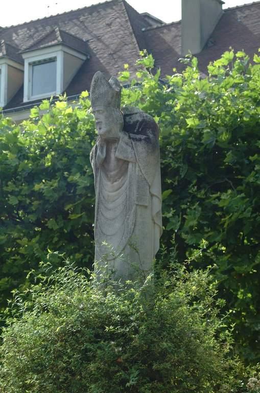 statue Saint Denis